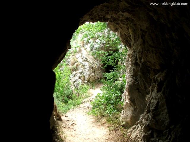 2189 - Nera tunnels