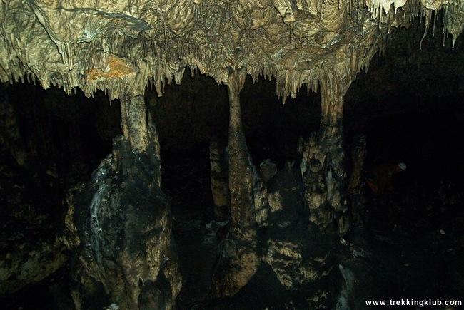 Munticelu Cave - Sugaului Gorges