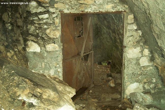 Munticelu Cave - Bicaz Gorges