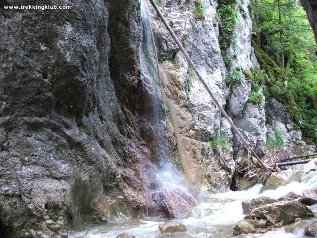 Bicajel Waterfall - Bicajel Gorges