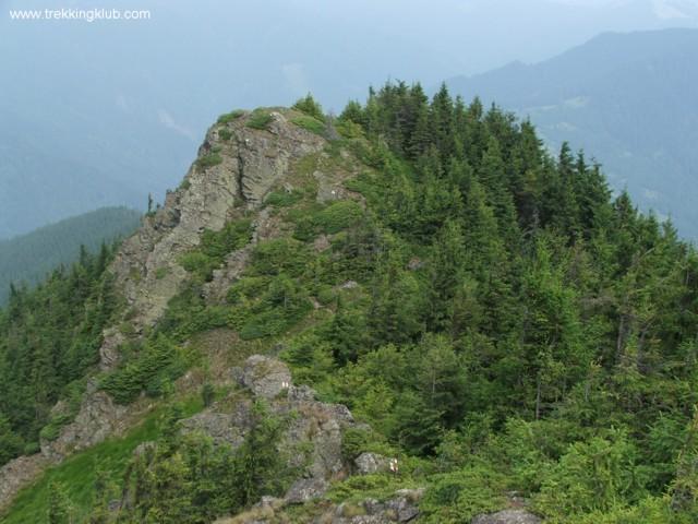 A Bogolinu első, északi sziklacsúcsa - Besztercei Pietrosz