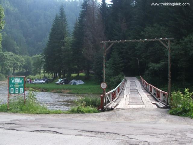 Podul din lemn de pe Bistrita - Cheile Zugreni