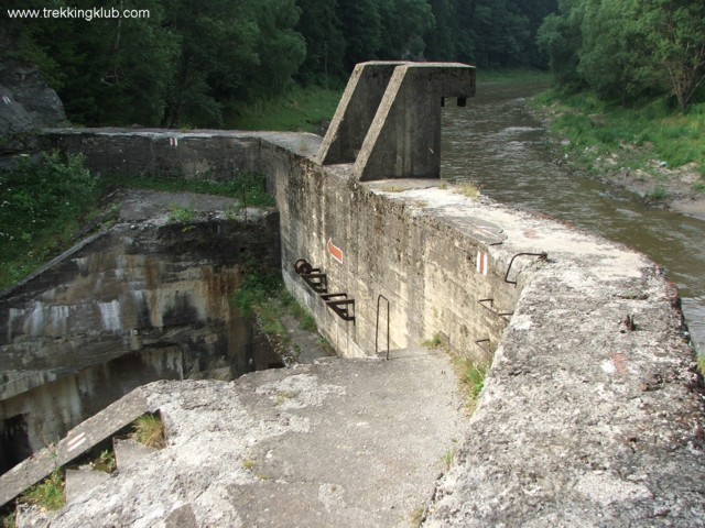 Sluice-gate - Zugreni Gorges