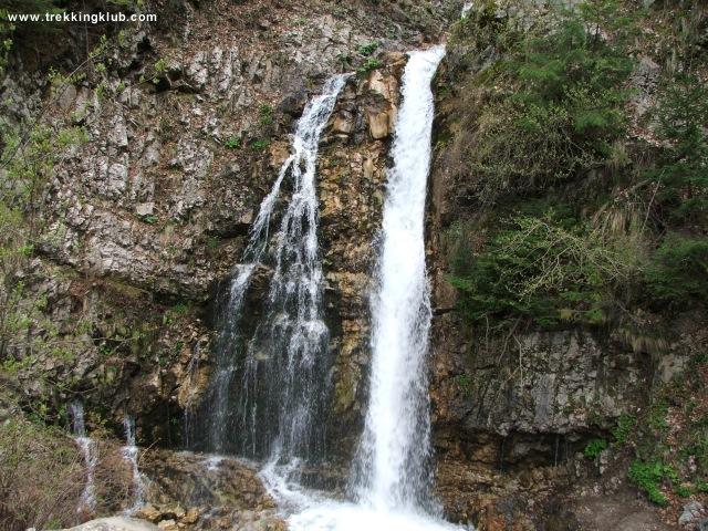 Cascada Urlatoarea - Cascada Urlatoarea