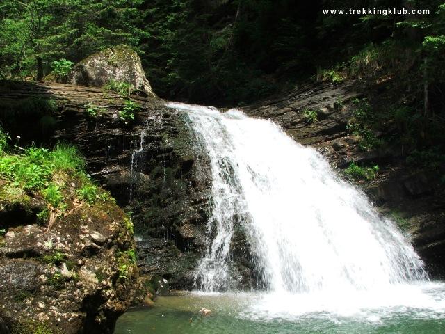 Una dintre cascadele din aval de Cascada Vanturis - Cascada Vanturis
