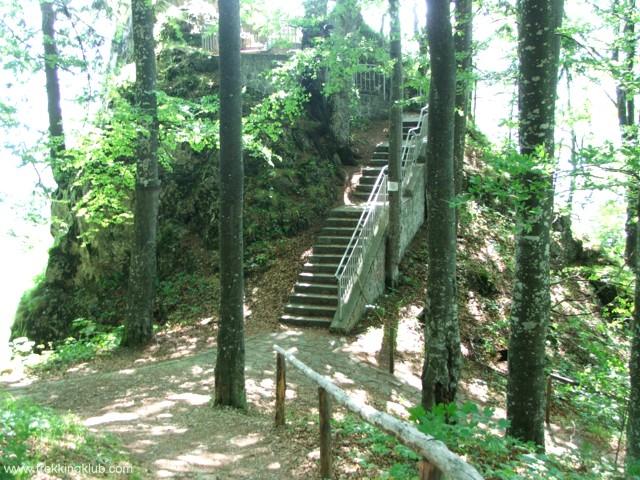 A lépcsők felé - Szent Anna-szikla