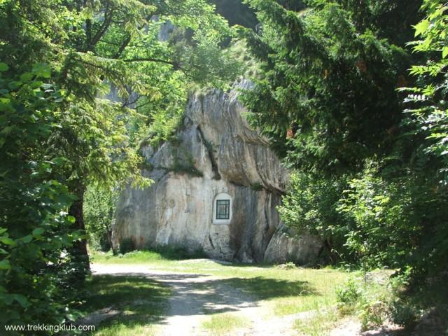 A sziklához vezető ösvény - Szent Anna-szikla