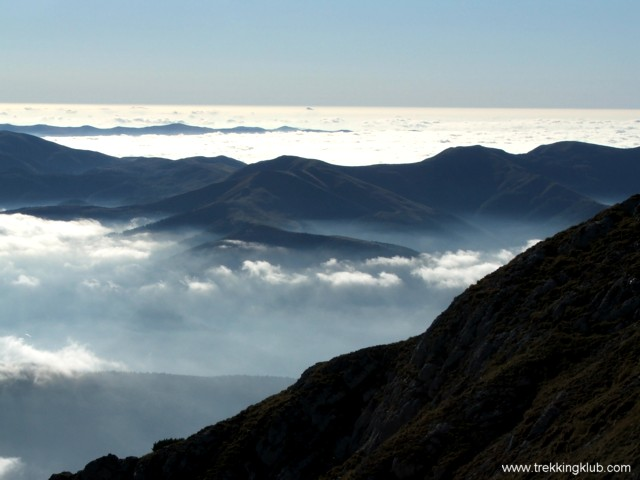 Above the clouds 3 - Goats Trail