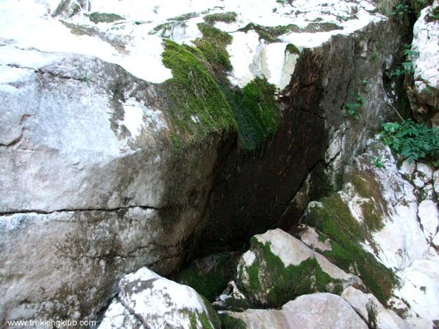 9757 - Devils Mill waterfall