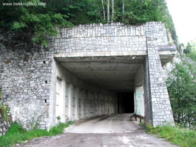 The tunnel - Brateiului Gorges