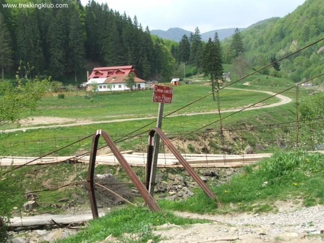 Valea Neagra hostel - Eagles Lake