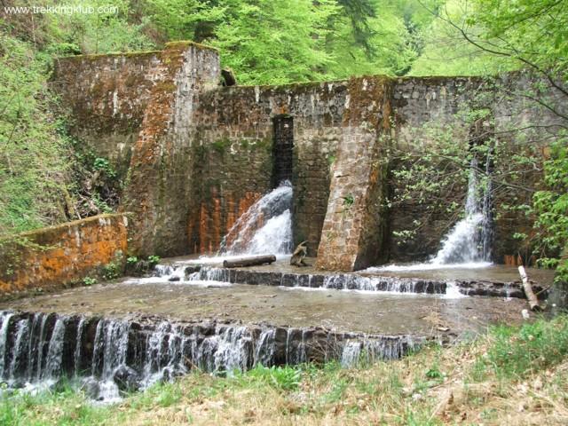 Dam - Eagles Lake