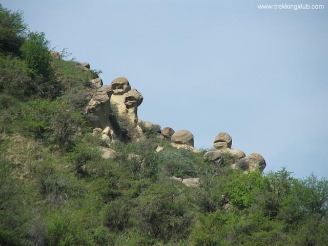 Round rocks garden - Round rocks from Chiojdu