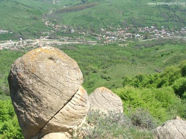Scenery - Round rocks from Chiojdu