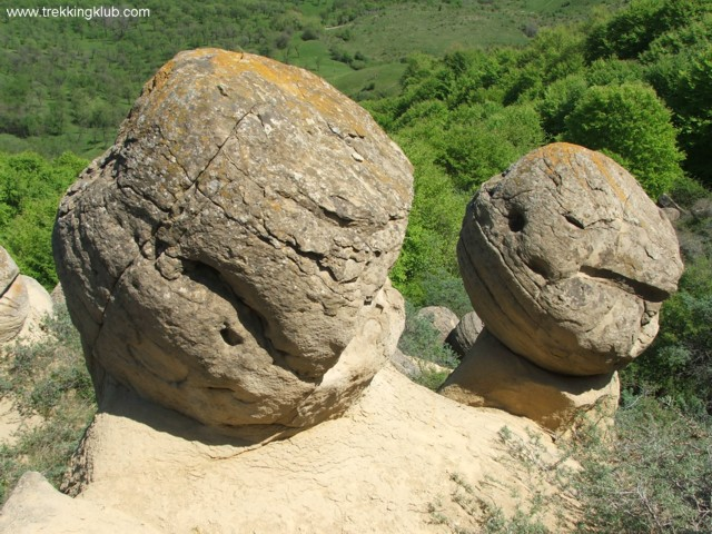 Round rocks - Round rocks from Chiojdu