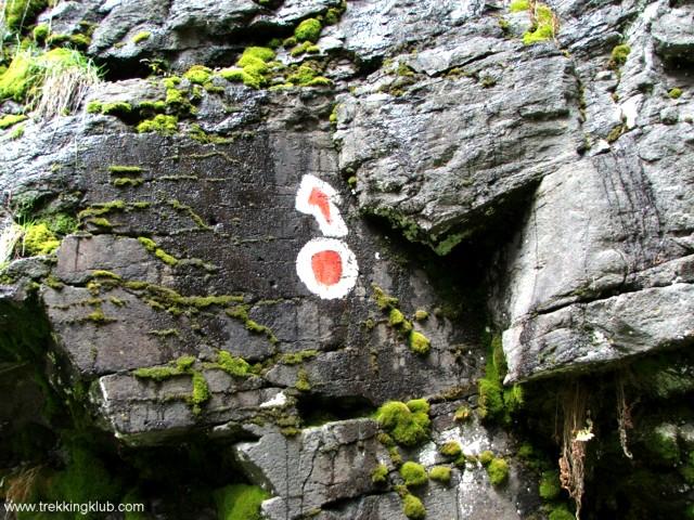 Piros pont jelzés - Kis-Lomás