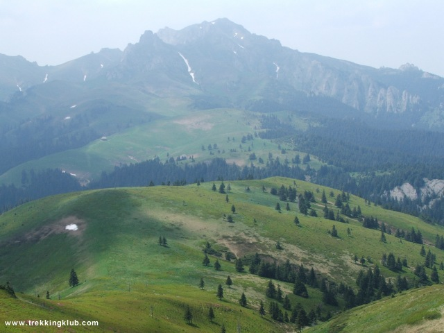 Csukás-csúcs és a Nagy-Tigáj a háttérben - Gropsoarele-Zaganu