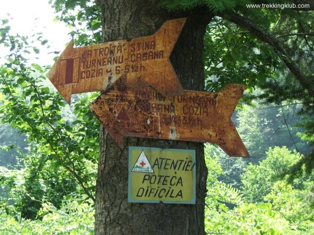 Trail signs - Cozia peak