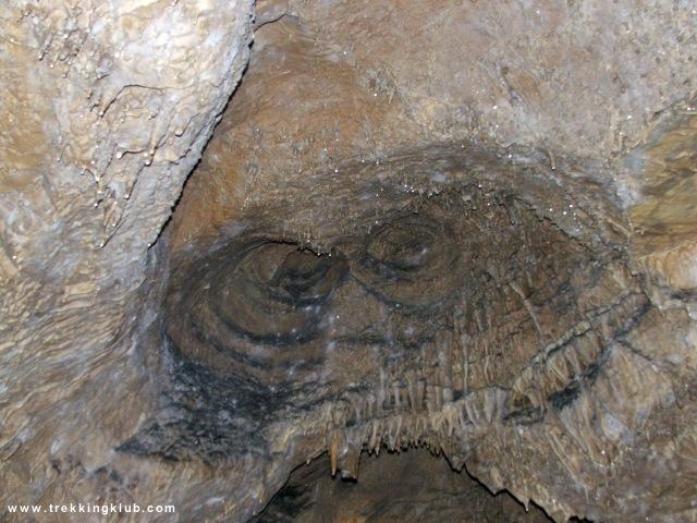 Sugó-barlang, Bagolyszem - Súgó-barlang