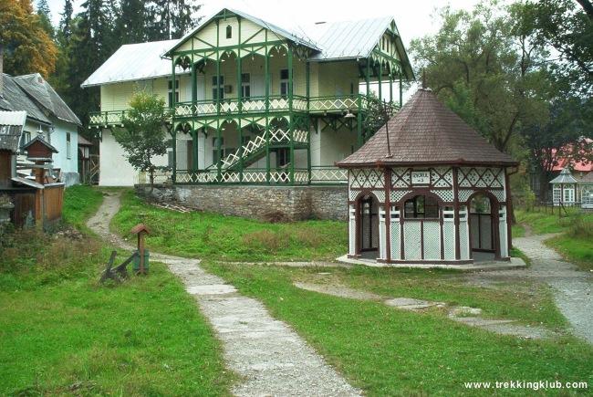 Borvízforrás fölé emelt épület - Borszék