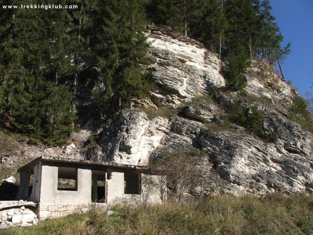 A Jeges-barlangot rejtő szikla - Borszék