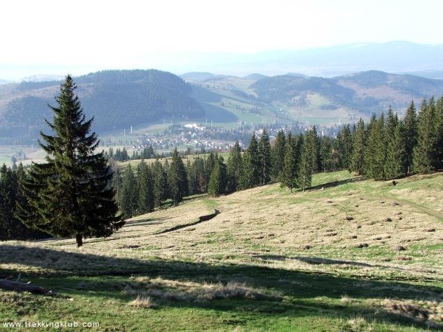 Varful Gretes deasupra statiunii Izvoru Muresului - Muntele Negru