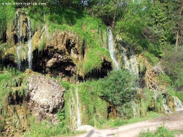 Maroshévízi Termál-vízesés - Görgényi kőgombák