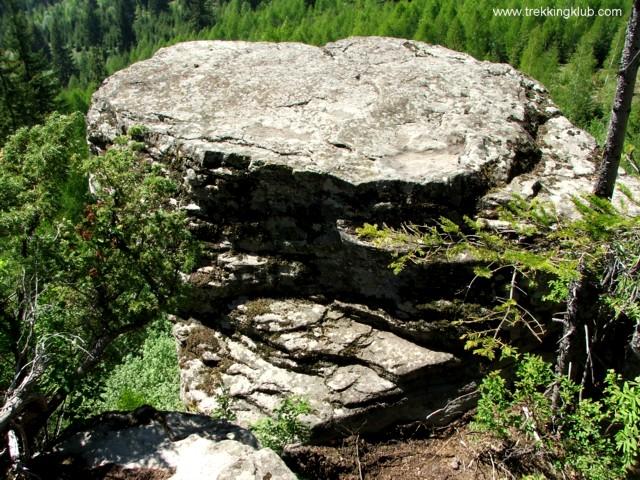 2336 - Asztal-kő