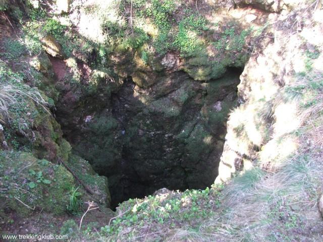 51 m mély zsomboly - Likas-zsomboly