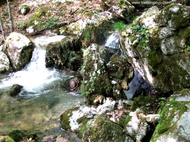 Kövek között - Ramnuta Mare vízesései