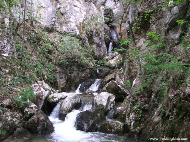 1637 - Ramnuta Mare waterfalls