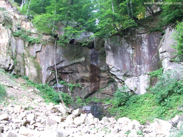 The waterfall from the quarry - The waterfalls of the stone-quarry