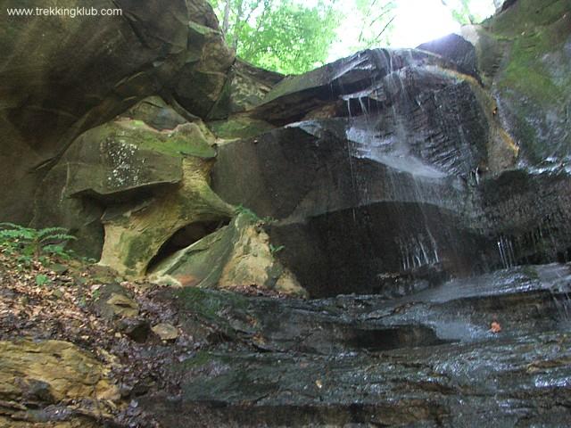 Emeletes-vízesés - A kőbánya vízesései