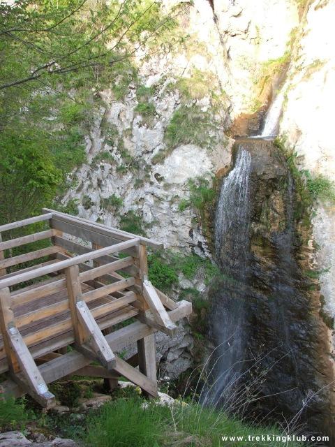 25 m waterfall - Huda lui Papara